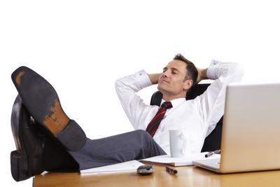 kurzer Büroschlaf